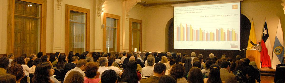 Encuesta aborda los dispares niveles de satisfacción de los chilenos